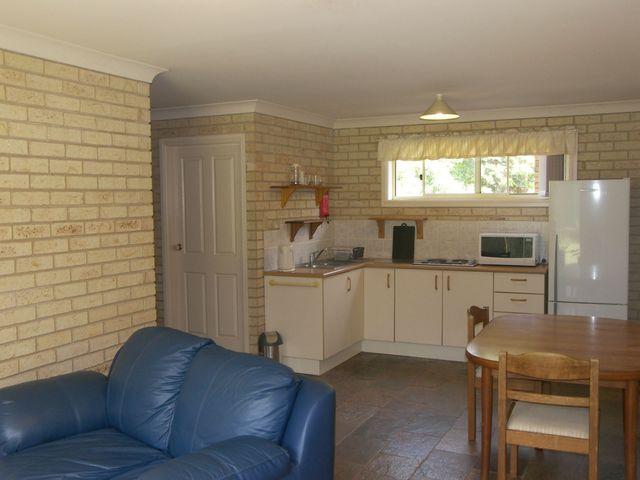 Unit/2b Kerrabee Close, Port Macquarie NSW 2444