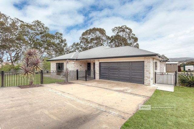 3 Hillview Court, Top Camp QLD 4350