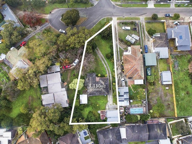 8 Harrison Court, Highton VIC 3216
