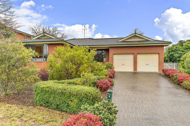 6 Nimbus Place, Karabar NSW 2620