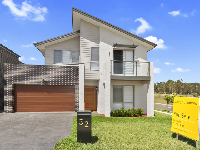 32 Clarence Drive, NSW 2171