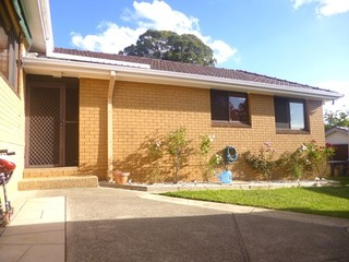 1A Fisher Crescent