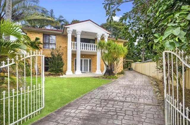 4 Whitsunday Drive, Currumbin Waters QLD 4223