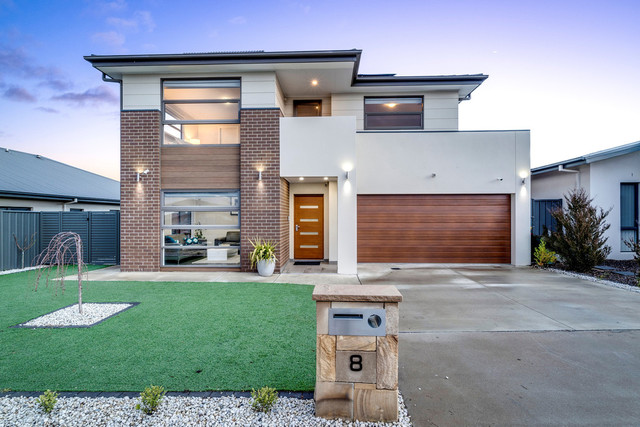 8 Laffan Street, Coombs ACT 2611