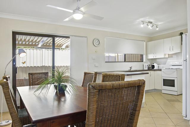 4/14 Davies St, NSW 2539