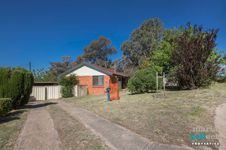 17 St Clair Place Lyons ACT 2606
