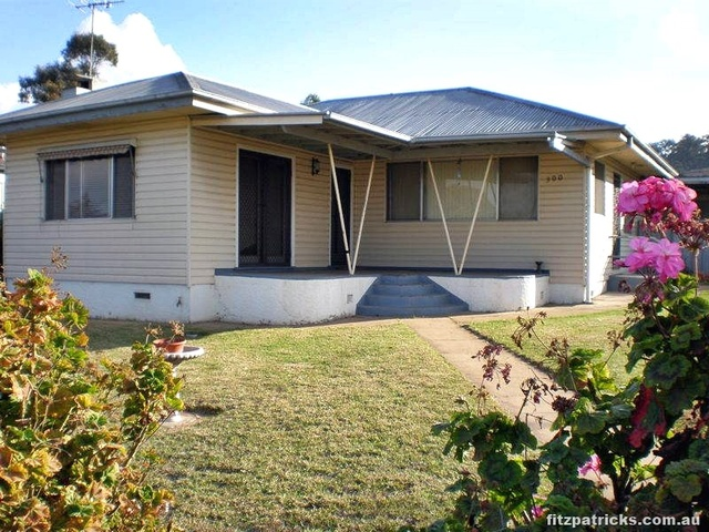 300 Lake Albert Road, Kooringal NSW 2650