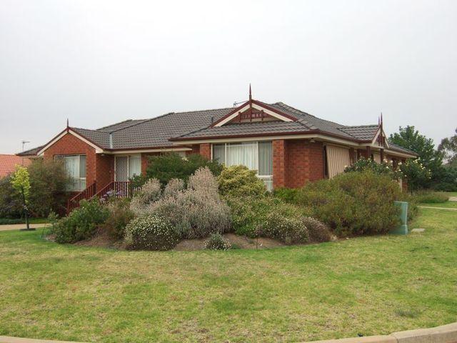 2 Delvin Place, Kooringal NSW 2650