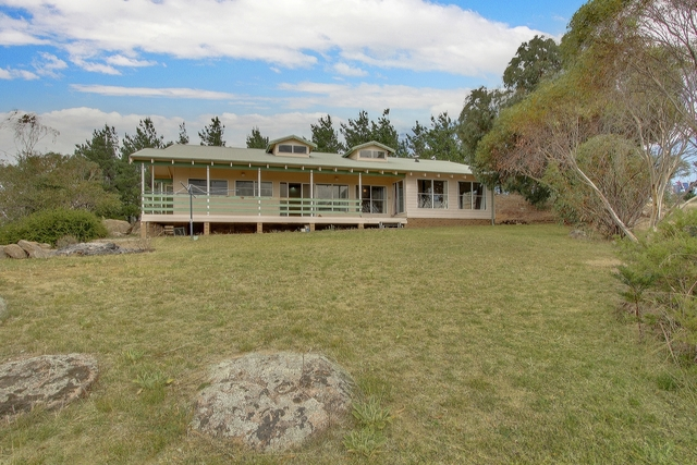 73 Snowgrass Dr, Jindabyne NSW 2627