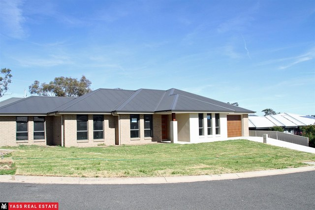 19 Colls Close, NSW 2582