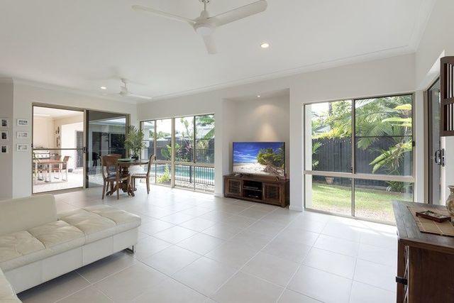 15 Shearwater Street, Port Douglas QLD 4877