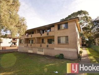 4/72 St Hilliers Rd