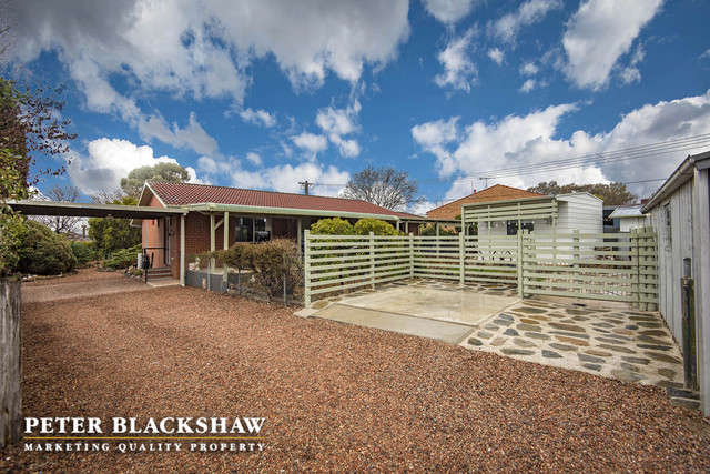 37 Mollee Crescent, Isabella Plains ACT 2905