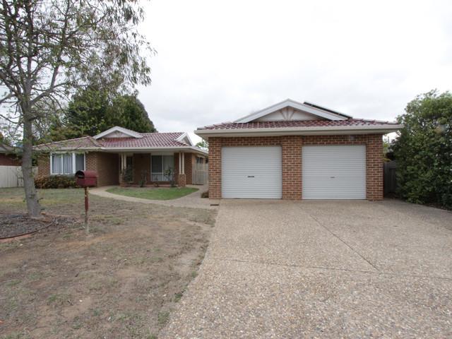 5 Stromlo Place, Jerrabomberra NSW 2619