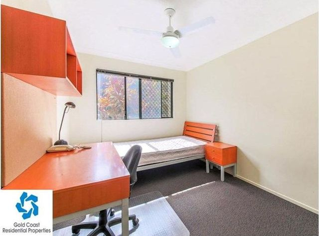 7-11 Brown Street, QLD 4215