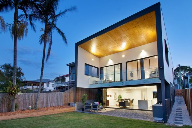140 MacRossan Avenue, Norman Park QLD 4170