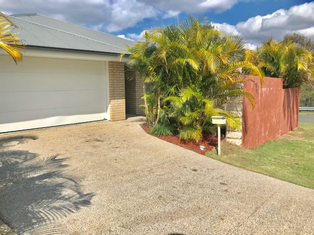 11 Sheffield Circuit, Pacific Pines QLD 4211