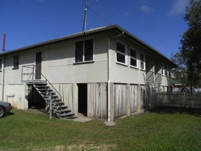 2/19-21 McIlwraith Street, Ingham QLD 4850
