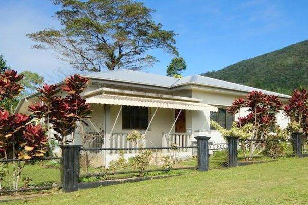17 Henry Street, Tully QLD 4854