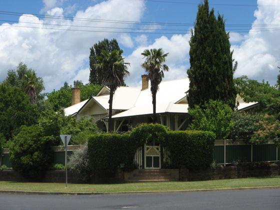 90 Macquarie Street, NSW 2370