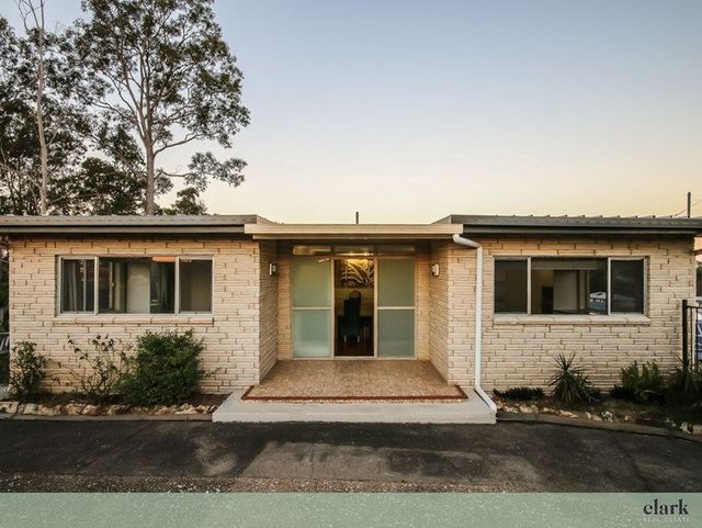 1139 South Pine Road, Arana Hills QLD 4054