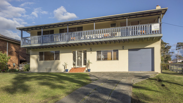 11 Clissold Street, Mollymook NSW 2539