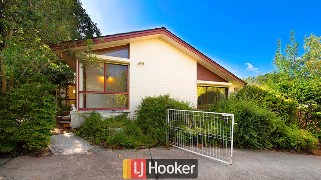 51 Spafford Crescent, Farrer ACT 2607
