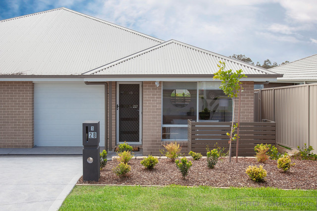 2/28 Croft Close, Thornton NSW 2322