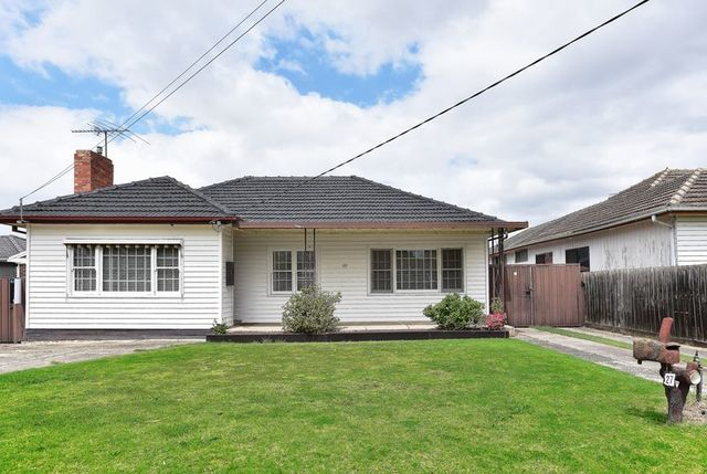 27 Bedford Street, Airport West VIC 3042