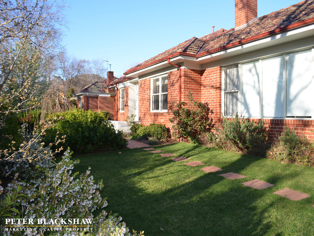 18 Dirrawan Gardens, Reid ACT 2612