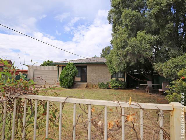 4 Smithies Place, Ashmont NSW 2650