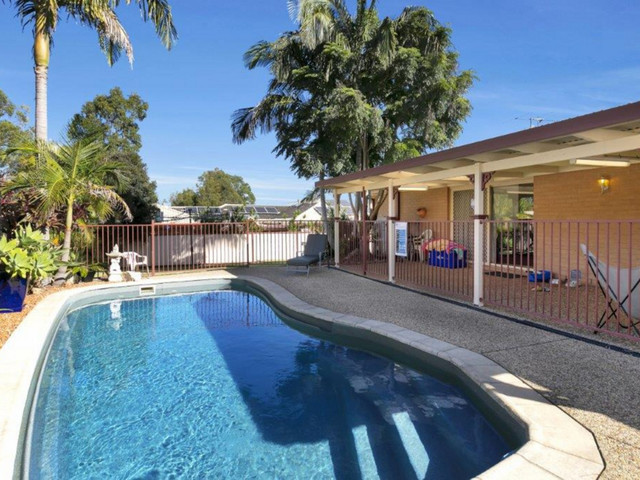 4 Cariama Close, Cameron Park NSW 2285