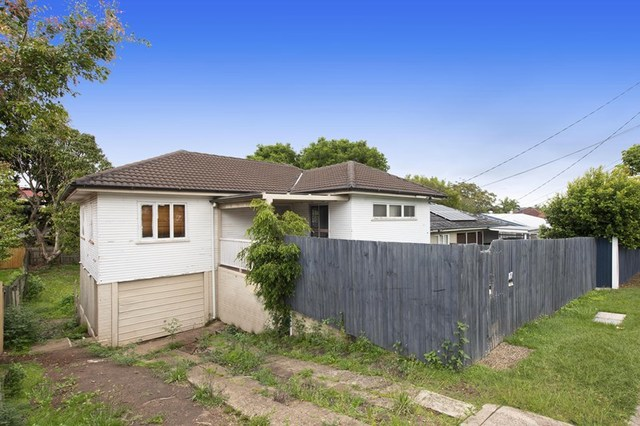 87 Holland Road, Holland Park QLD 4121
