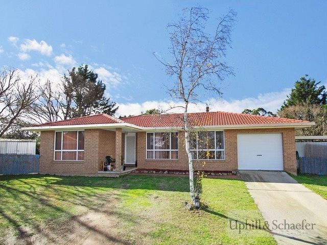 25 Verna Close, Armidale NSW 2350