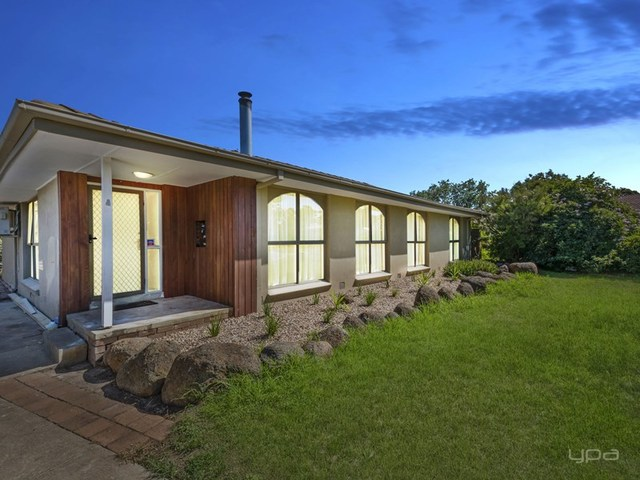 4 Rothesay Place, Melton West VIC 3337