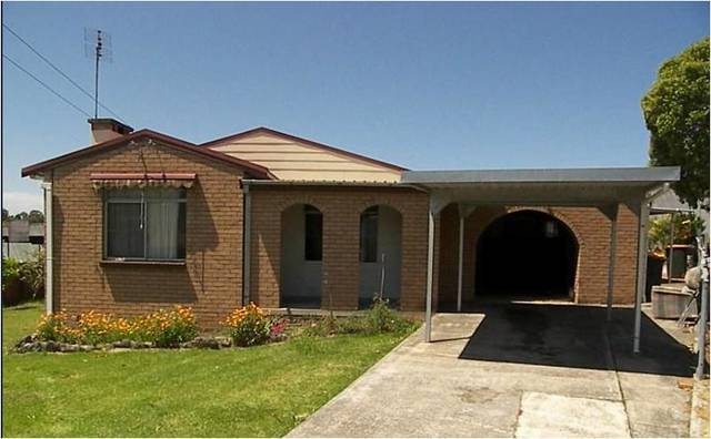 4 Barellan Avenue, Dapto NSW 2530