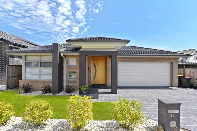 11 Ivor Avenue, Middleton Grange NSW 2171