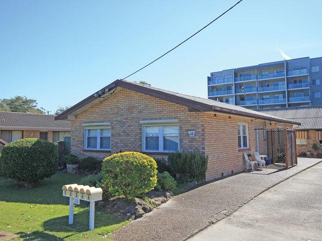 1/18 Messines Street, Shoal Bay NSW 2315