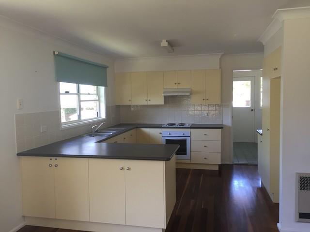 17 Mayfield Avenue, Armidale NSW 2350