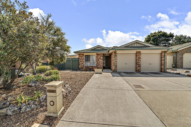 10 Bushby Place, Holt ACT 2615