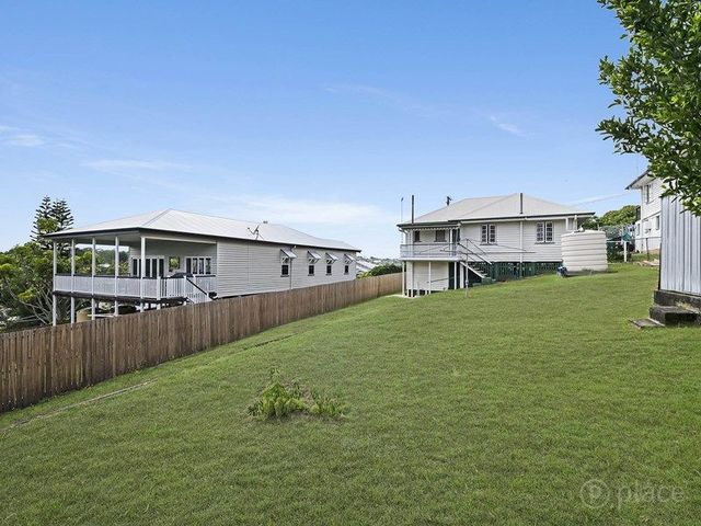 15 Barton Street, QLD 4121