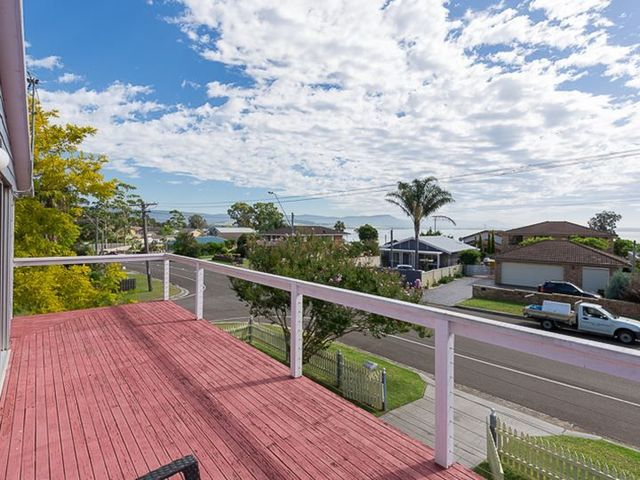 86 The Boulevarde, Oak Flats NSW 2529