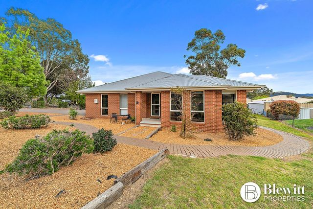 24 Jim Bradley Crescent, ACT 2611