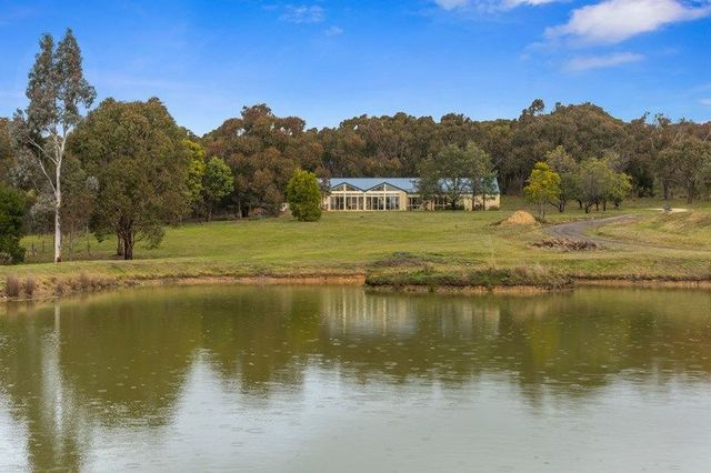 233 Pudding Bag Road, Drummond VIC 3461