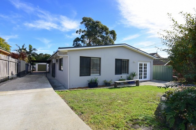 11 The Basin Road, St Georges Basin NSW 2540