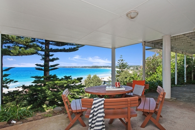 144 Mitchell Parade, Mollymook Beach NSW 2539