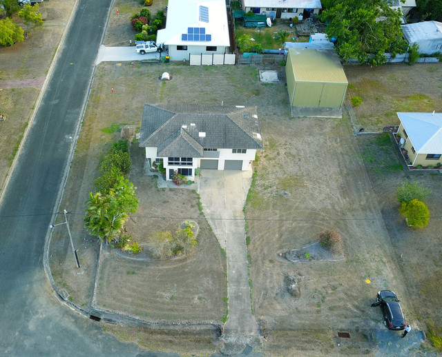 1 Roslyn Road, QLD 4800