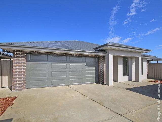 2/10 Waterhouse Avenue, NSW 2650