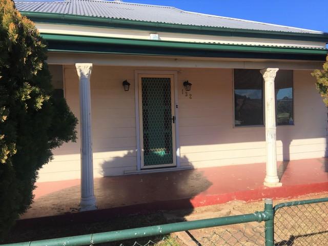 132 Arthur Street, NSW 2820