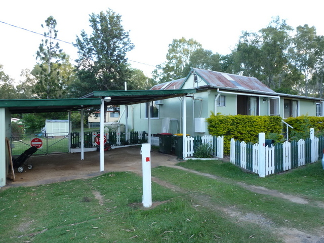 12 Central Street, Mount Morgan QLD 4714